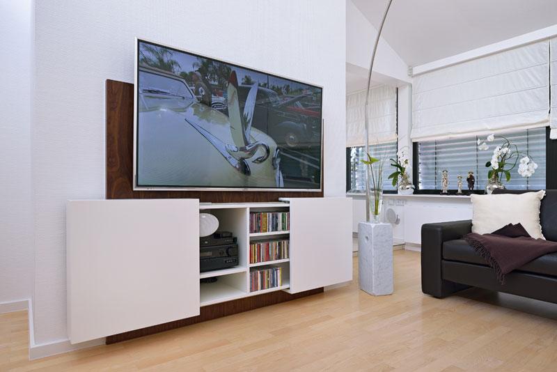Modernes TV-Moebel mit Stauraum für Medien